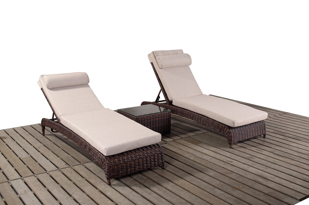 Windsor Pair loungers & Coffee table garden furniture suite