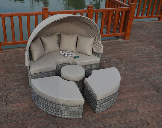 Rustic Large daybed garden furniture suite